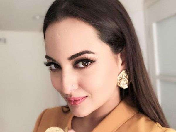 Sonakshi to play the female lead in Mogul?