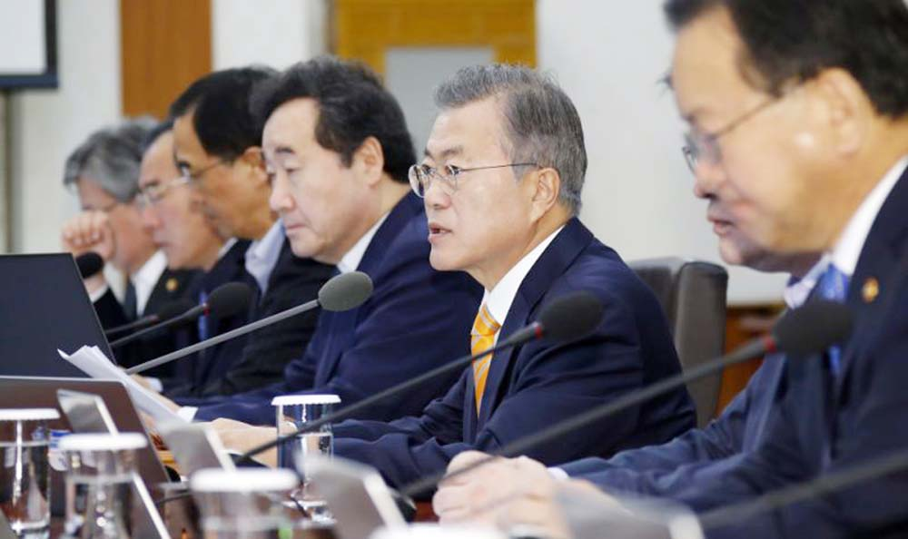 S Korea approves N Korea deals amid conservative opposition