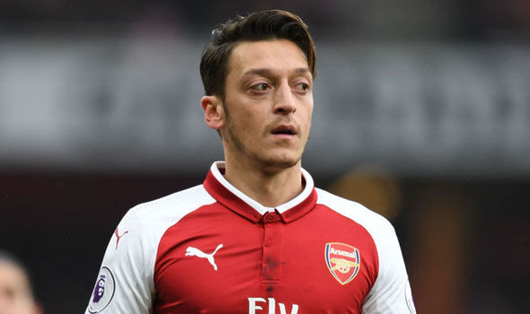 Aubameyang, Ozil star as Arsenal make it perfect 10