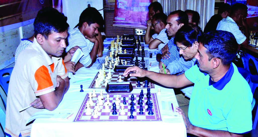 A scene from the second round matches of the Saif Power Battery 44th National 'B' Chess Championship at National Sports Council on Wednesday.