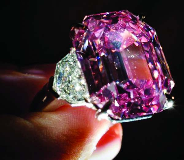 Pink Legacy diamond sold for world record price