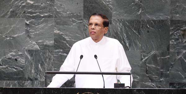 Sri Lankan President seeks talks to end power struggle