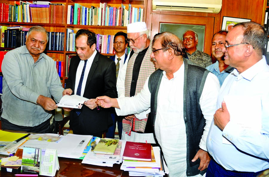 Reza Kibria submits nomination form to Dr Kamal