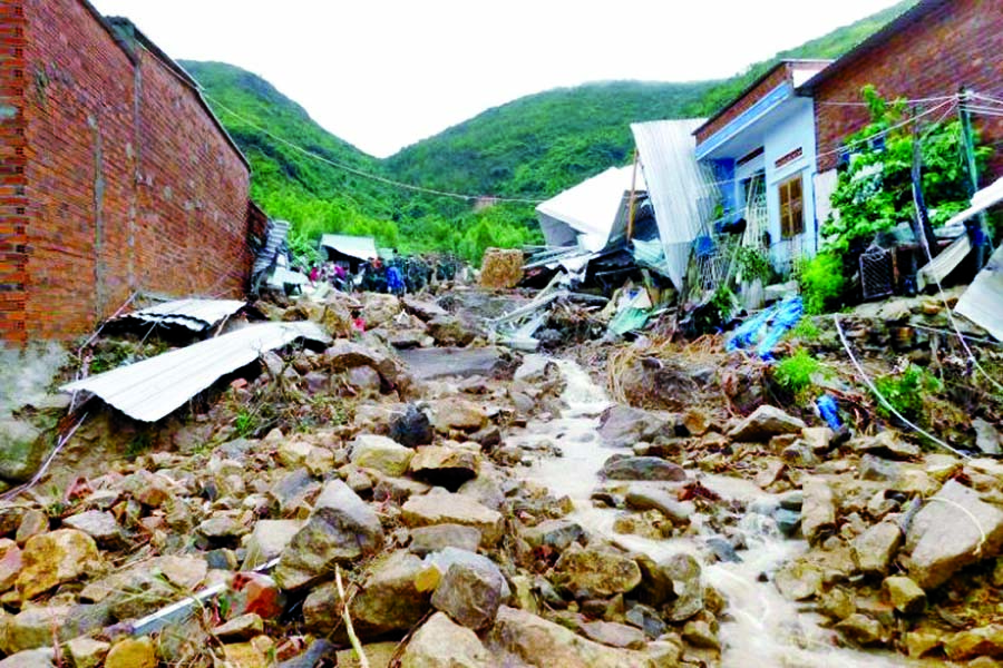 Cyclone Gaja leaves 40 dead, over 80,000 stranded