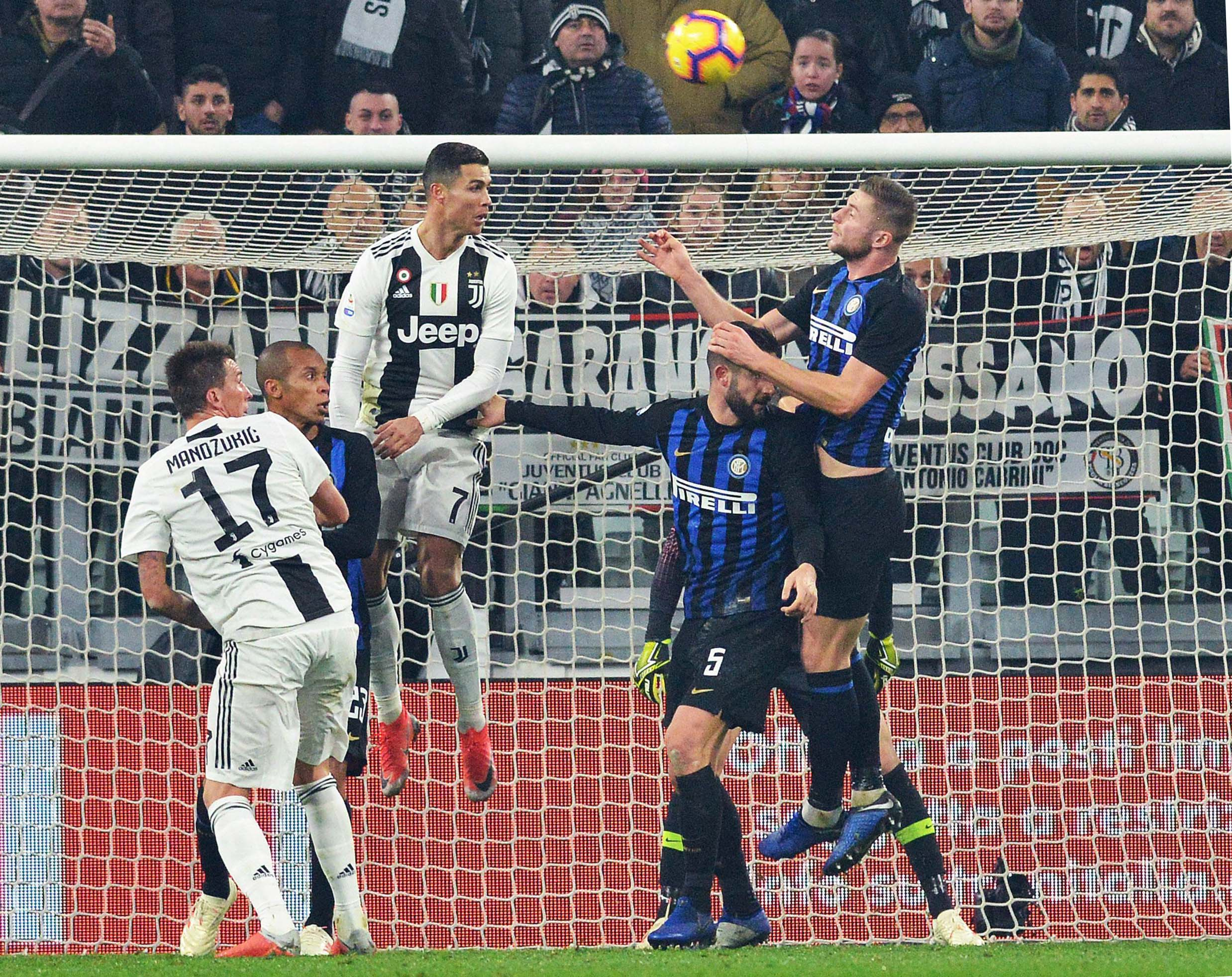 Juventus beat Inter 1-0 to open up 11-point lead in Serie A