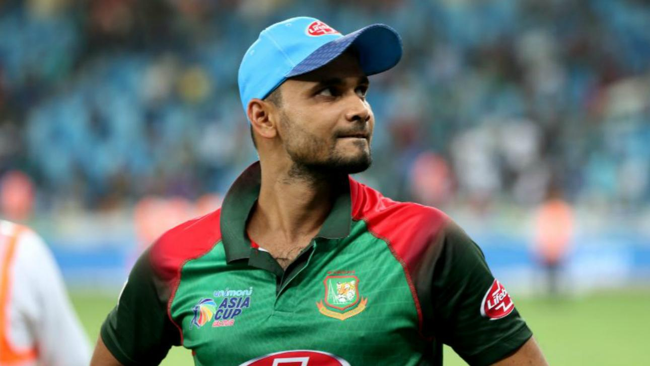 Mashrafe creates record by leading Bangladesh in maximum ODIs