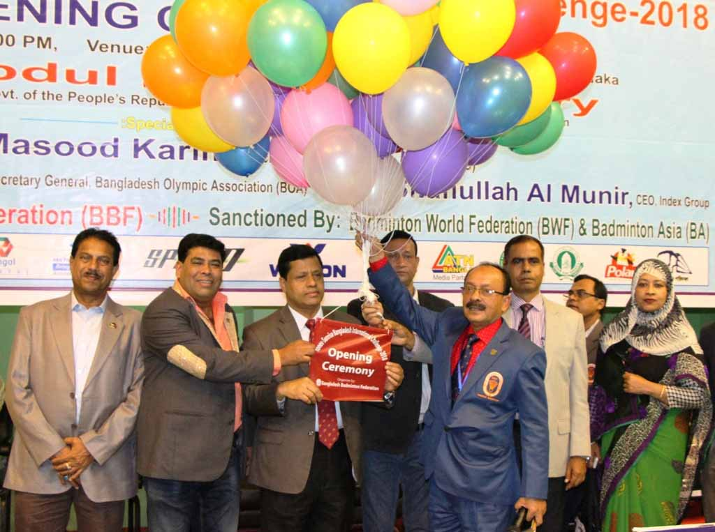 President of Bangladesh Badminton Federation and Secretary of Ministry of Information Md Abdul Malek inaugurating the Younex-Sunrise International Badminton Tournament by releasing the balloons as the chief guest at the Shaheed Tajuddin Indoor Stadium on Tuesday.