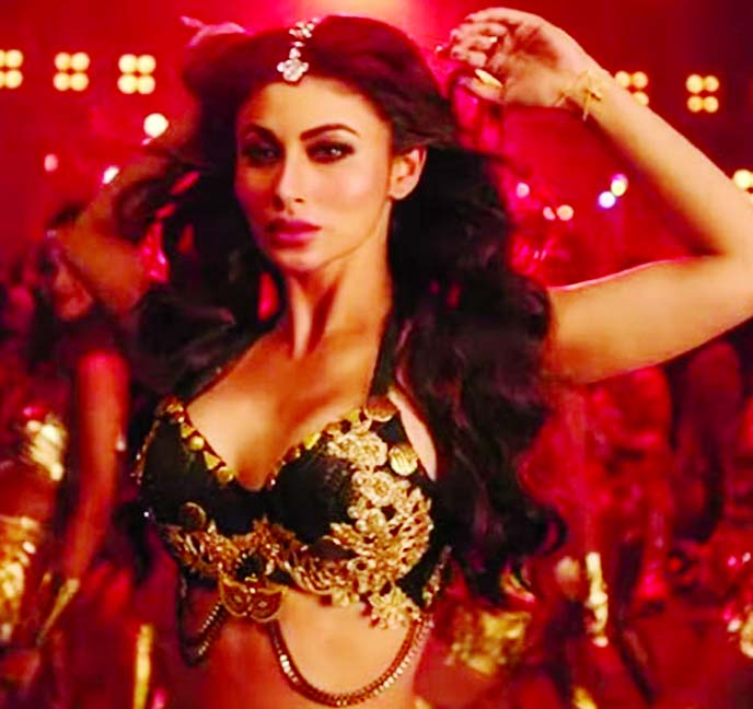 Mouni Roy raises the temp in KGF's Gali Gali