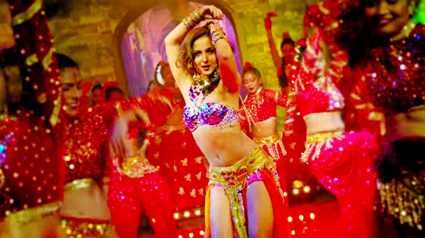 Chamma Chamma: Elli AvrRam gives a sizzling twist to Urmila's song