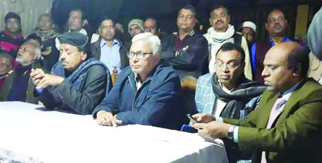BANARIPARA (Barishal): Awami League nominated candidate Md Shahe Alam from Barishal-2 Constituency speaking at a view exchange  meeting with businessmen at Bandar Bazar on Wednesday.