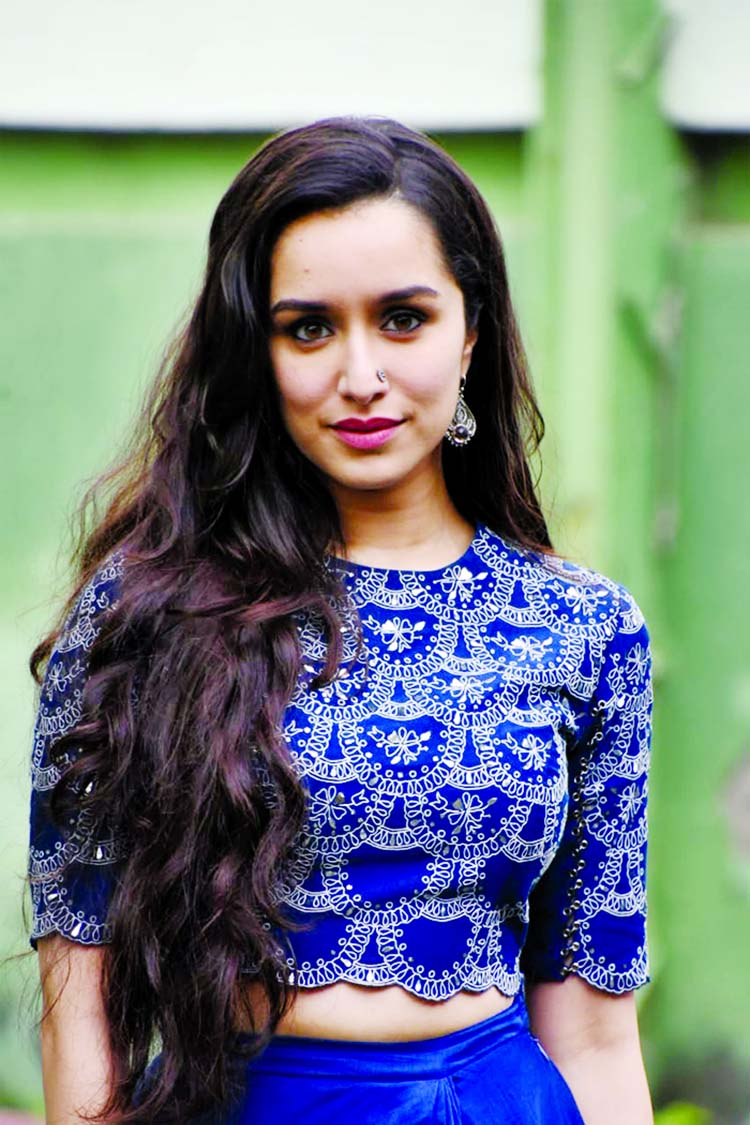 Shraddha Kapoor gives a shout out to special person Int'l Tea Day