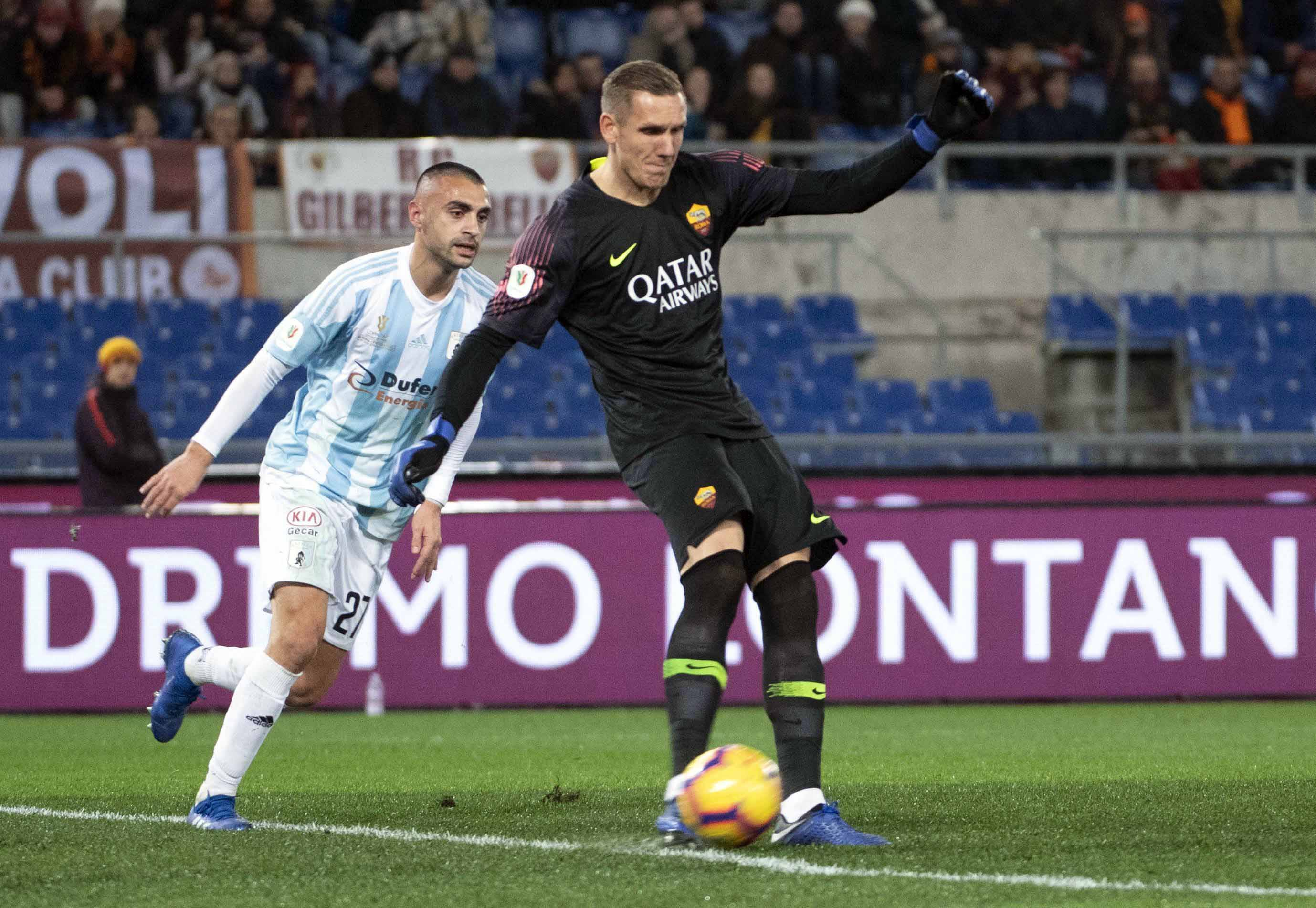Roma's goalkeeper Robin Olsen in action during the Italian Cup soccer match between AS     Roma and Virtus Entella at the Olimpico stadium in Rome, Italy on Monday.