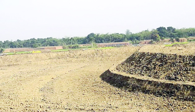 Illegal ponds digging continues at Mohanpur defying govt ban