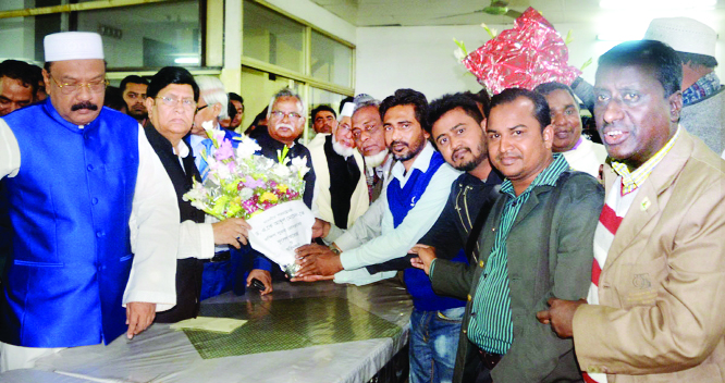 SYLHET: Leaderrs of South Surma  Press Club greeting  Foreign Minister Dr AK Abdul Momen MP   during a courtesy visit recently.