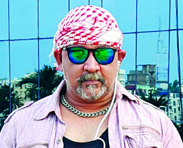 Villain Donn cries for late  Salman Shah