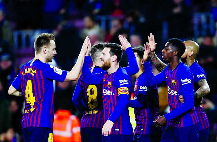 Barcelona reach Copa quarters but could be disqualified