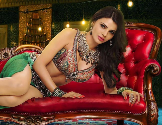Sherlyn Chopra raises the mercury in her latest video `Tunu Tunu`