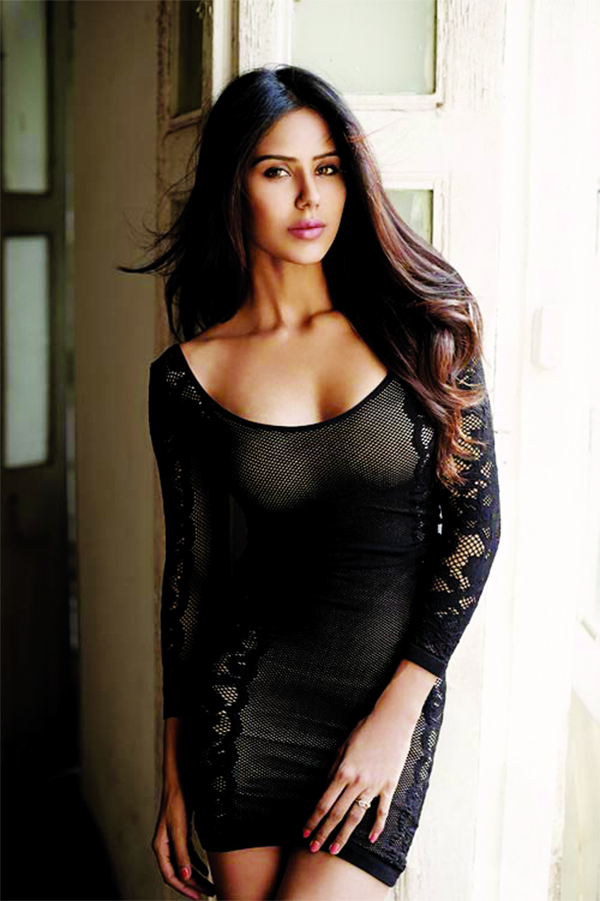 Sonam Bajwa is all set to make her big Bollywood debut
