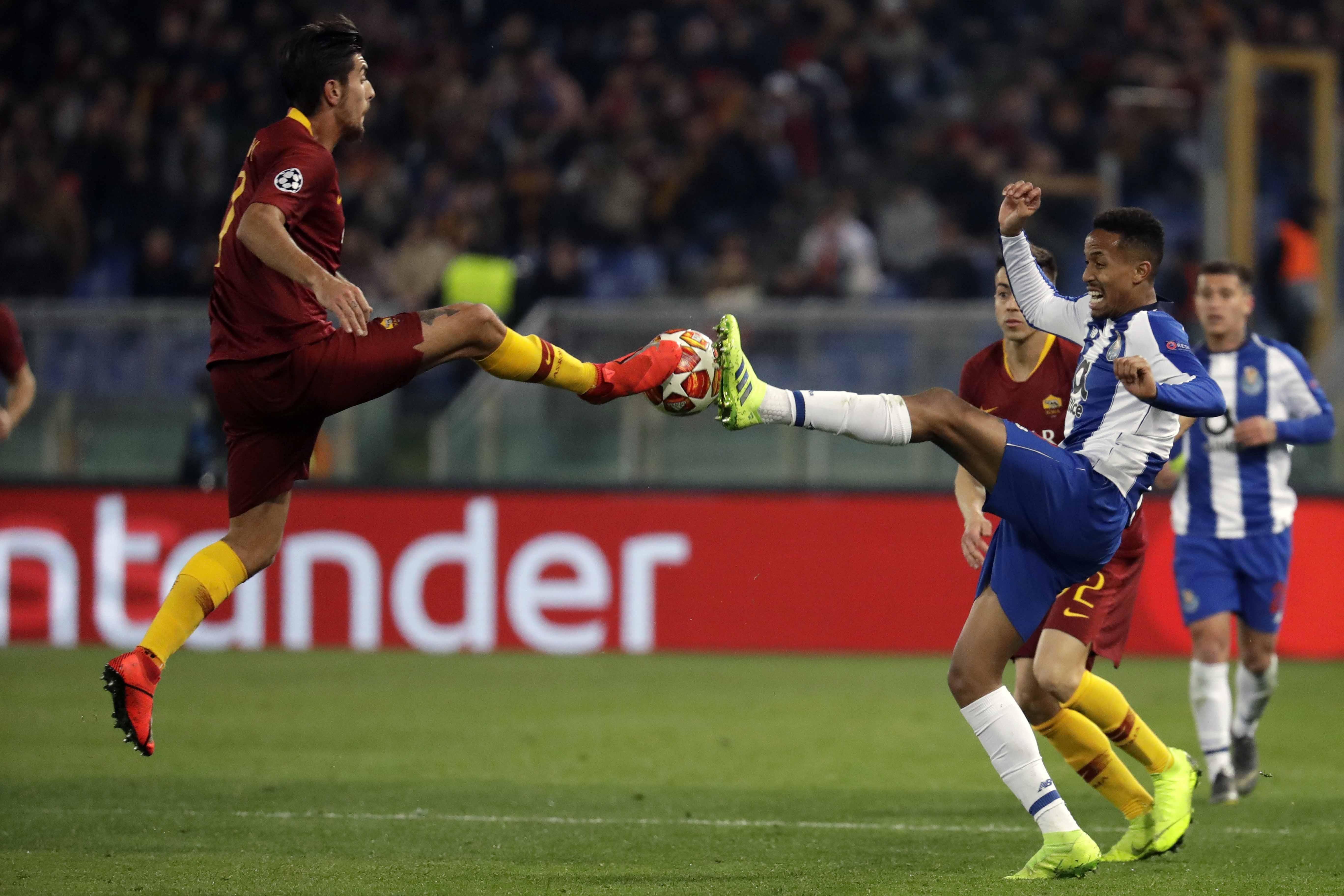 Zaniolo bags brace as Roma claim first-leg win over Porto