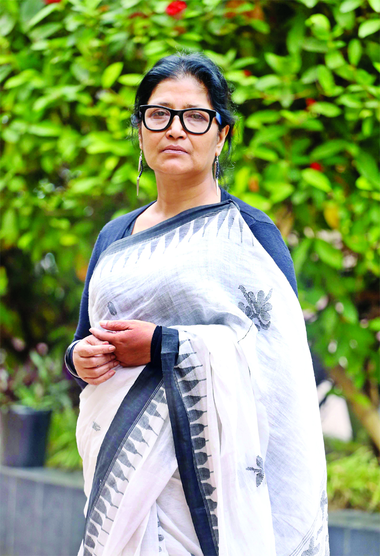 Shilpi Sarkar Apu in film Birongonar Juddho
