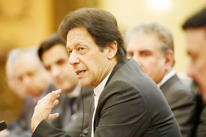 Pakistan PM urges talks on Kashmir blast, warns India against attack