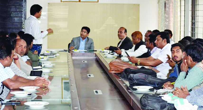 KALIAKAIR (Gazipur):   Kazi Hafizul Ameen, Newly- appointed UNO Kaliakair  speaking in a view exchange meeting with journalists at Upazila Parishad Conference Room on Tuesday.