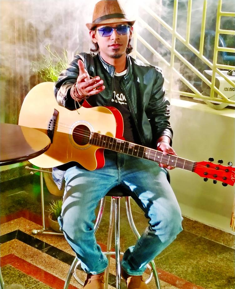 Fahim Faisal's musical film Angul Chhutey Chai