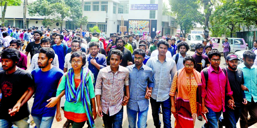Students stage sit-in for fresh polls again