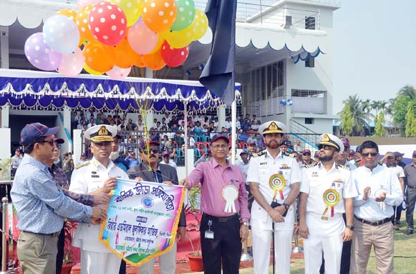 Rear Admiral Zulfikar Aziz, Chairman, Chattogram Port Authority (CPA)  inaugurating annual sports of Chattogram Port  as Chief Guest yesterday.
