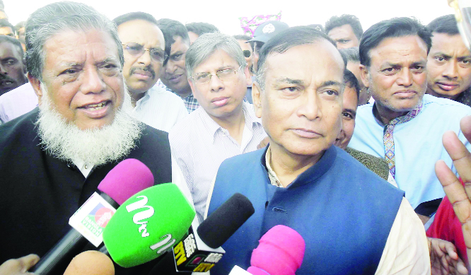 SAGHTAA(Gaibandha): State Minister for Water Resources Zahid Faruk MP  talking to journalists after visiting river erosion in mass graveyard area at Fulchhari Upazila on Wednesday. Among others, Deputy Speaker of Jatiya Sangsad Adv Fazley Rabbi Miah MP was present.