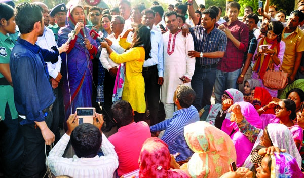 Non-MPO teachers postpone their agitation programme for a month on the basis of Education Minister Dipu Moni's assurance on Sunday.
