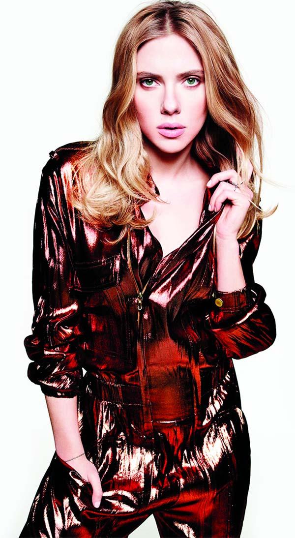 Scarlett Johansson turns heads with daring pantsuit