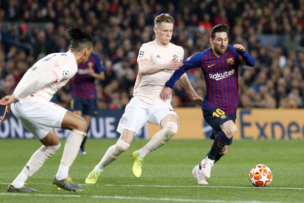 Careless United undone by Messi double as Barca cruise into semis