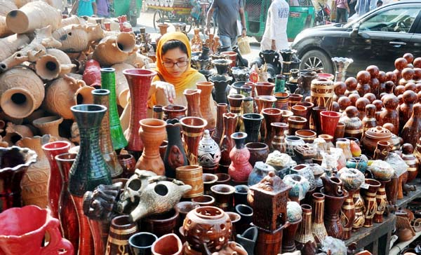 A Pottery Fair  began at Laldighi Maidan marking the Jabbarer Boli Khela. This snap was taken yesterday.