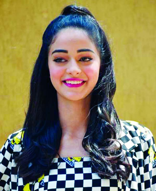 Ananya Panday brings back summer with breezy sporty look