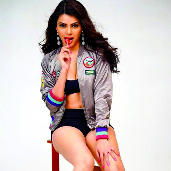 Sherlyn Chopra encourages her fans to vote