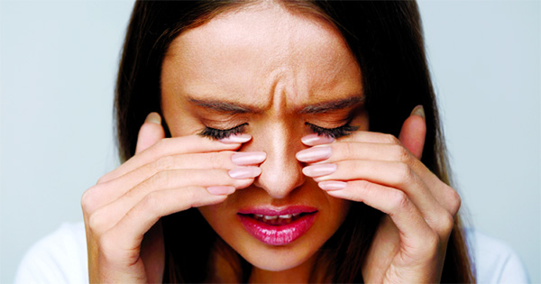 Everything needs to know about eye twitching, its triggers