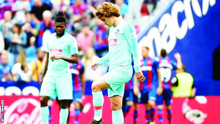 Valencia hold on to fourth, Griezmann jeered on last Atletico appearance