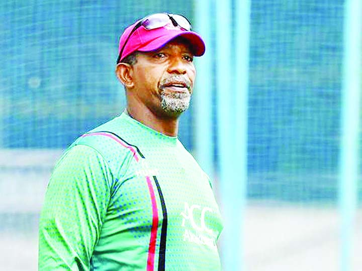 Simmons to quit as Afghanistan coach after World Cup