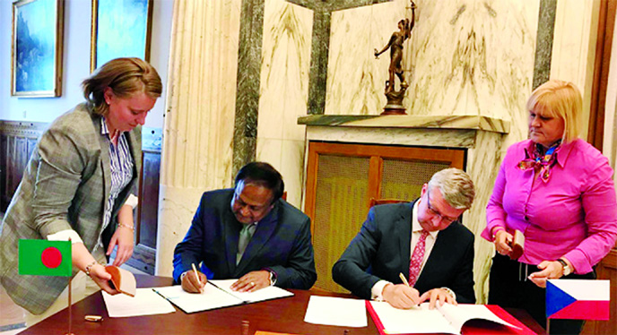 Bangladesh-Czech sign deal to boost trade, investment