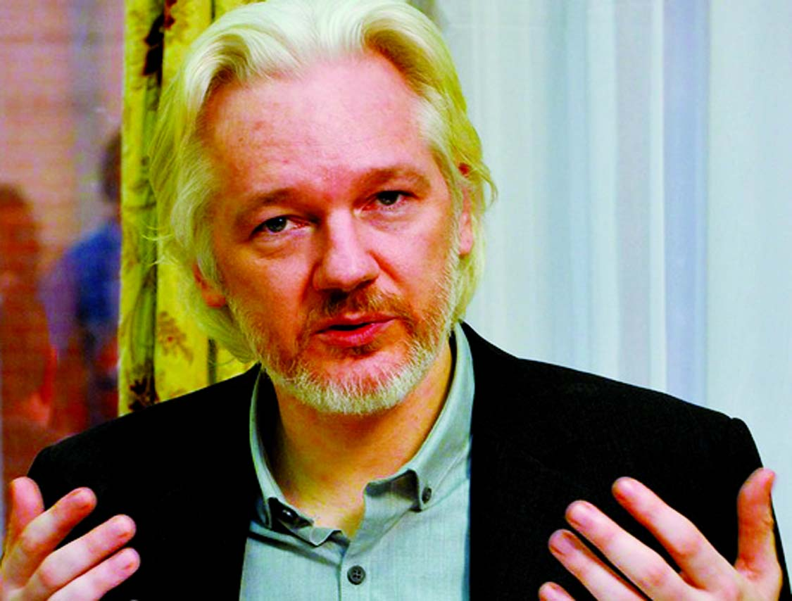 US charges Assange with espionage
