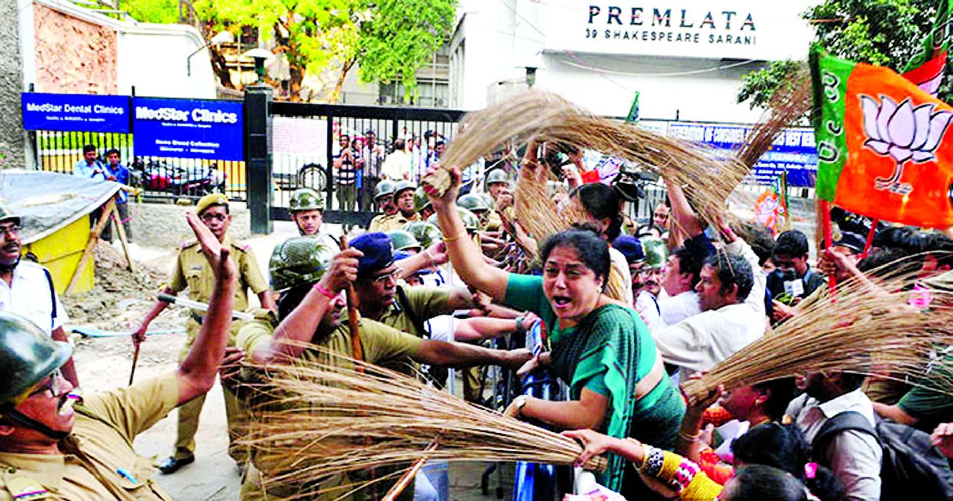 Post-poll clashes erupt between TMC, BJP workers in West Bengal