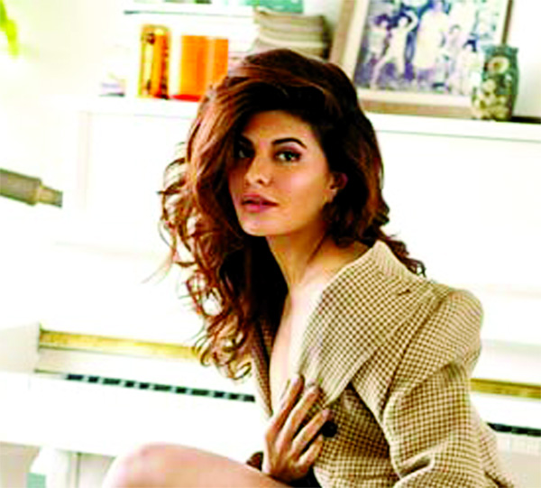 Jacqueline Fernandez disguised herself to have momos with her friends in Nainital