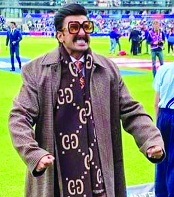 Ranveer Singh turns commentator for India-Pak match