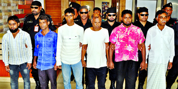 Six muggers held in city