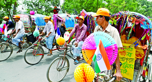 Rickshaw and cycle rally marking the International car-free Cities Alliance was launched in city