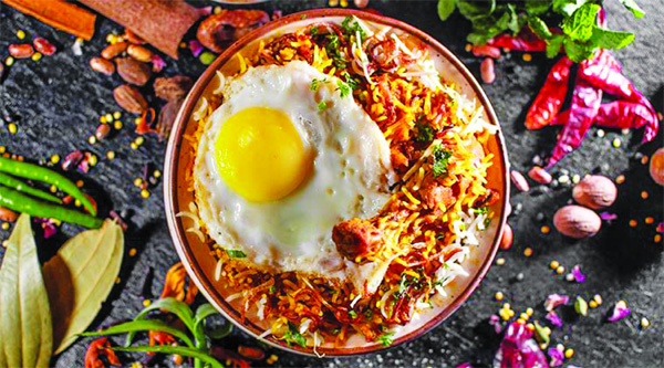 From Chicken Biryani to Mahi Achari Tikka: Which recipe would like to try this weekend? Hyderabadi Chicken Biryani