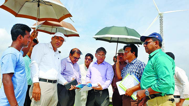 Director General of Bangladesh Water Development Board Mahfuzur Rahman visited crossbar in Sirajganj on Monday