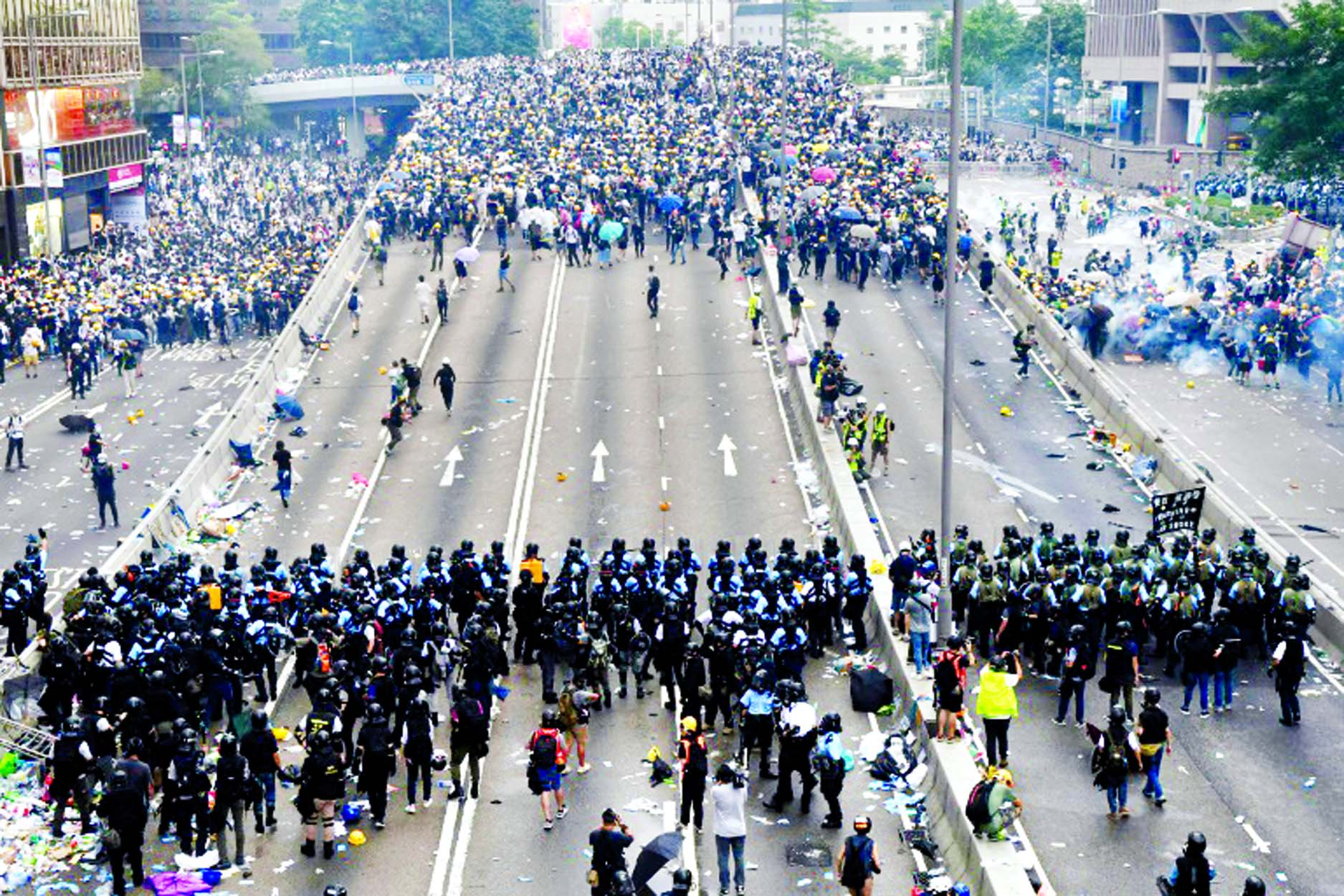HK's expat police become focus of protester rage