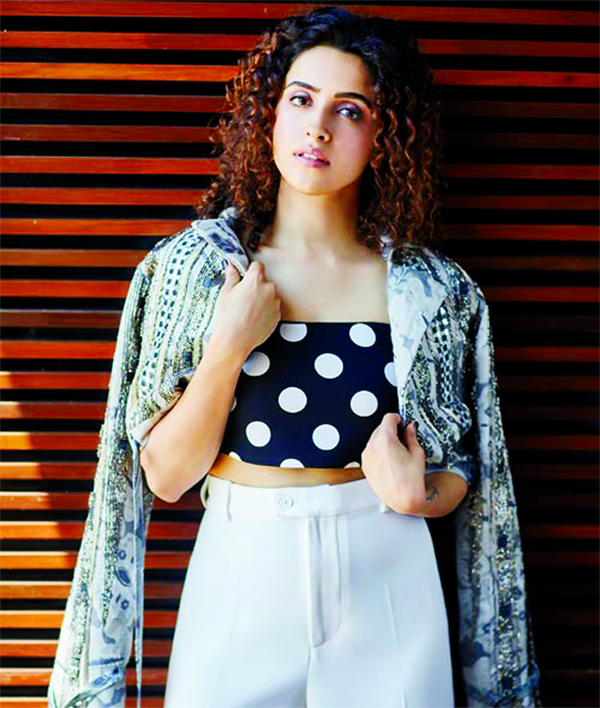 Sanya Malhotra killing it with her bodacious dance moves